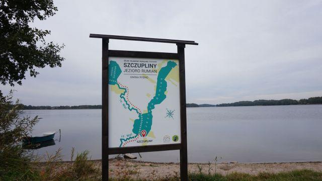 Oznakowanie szlaku kajakowego rzeką Wel.